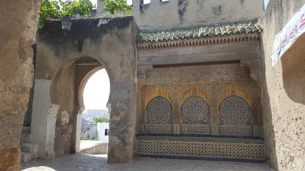 puerta que une kasbah y medina de Tánger