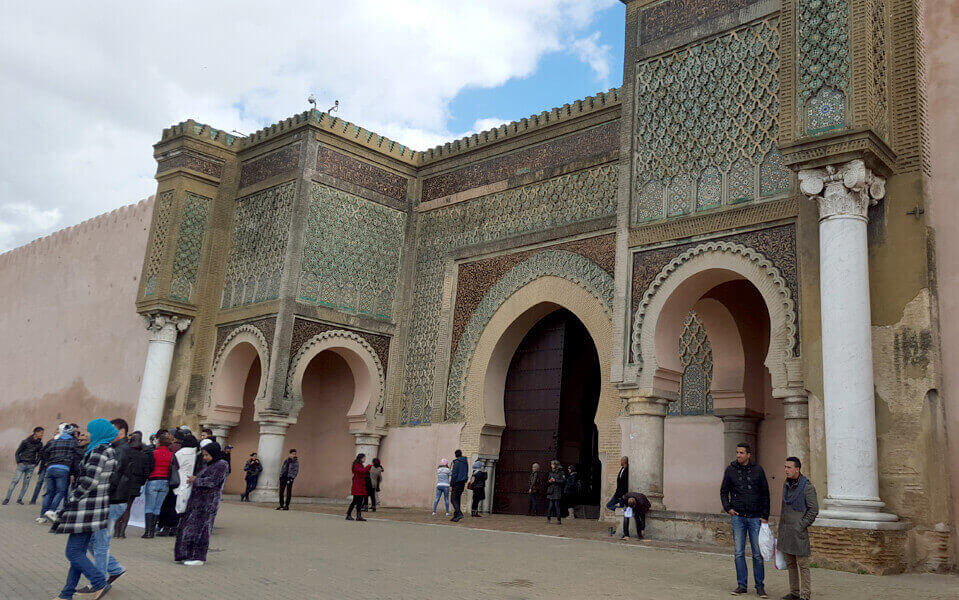morocco touristic guide meknes door
